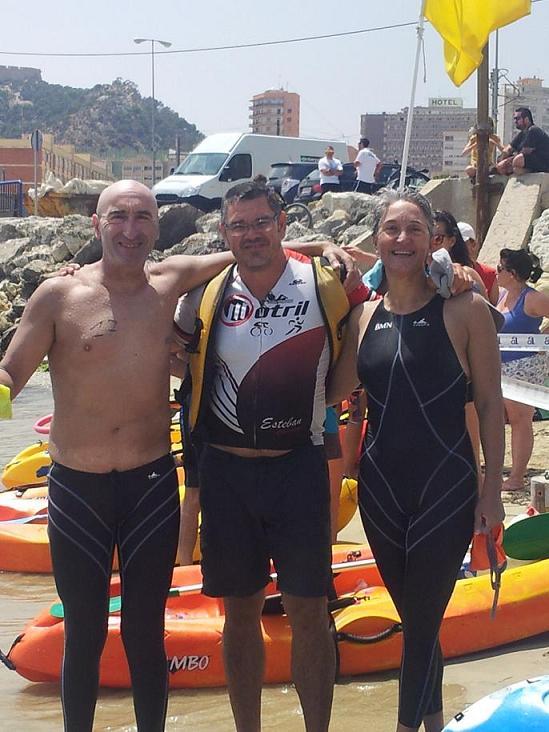 Los nadadores motrileños Juan Antonio Pérez y Yolanda Jiménez, de 51 y 46 años cruzan a nado el Estrecho de Gibraltar
