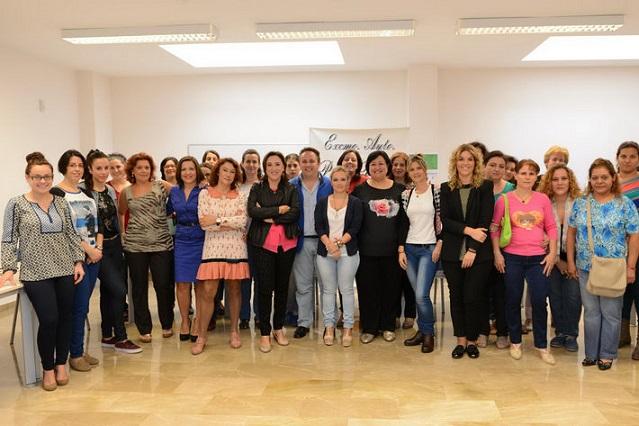 La Junta imparte talleres de coaching empresarial a 120 emprendedoras granadinas