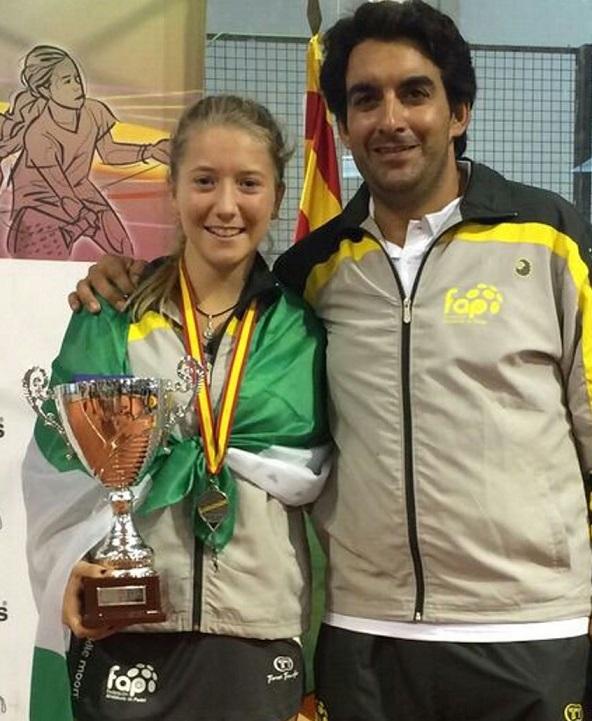 La jugadora sexitana Cristina Torrecillas consigue la plata con la Selección Andaluza de Pádel en el Campeonato Autonómico