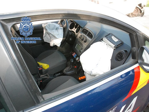 Dentro de la operación Chirimoya para prevenir robos la Policía Nacional detiene a un varón por causar lesiones a cuatro Policías