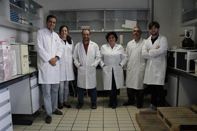 Científicos granadinos trabajan en la búsqueda de nuevos fármacos naturales contra el Ébola