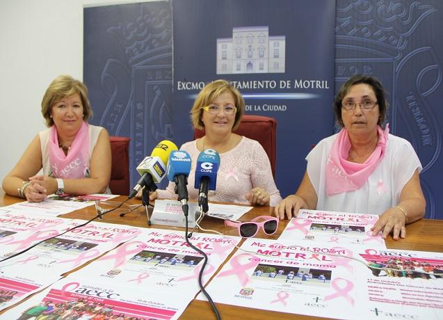 Motril se viste de rosa para celebrar el Día del cáncer de mama