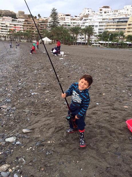 Los almuñequeros Jiménez López y Jiménez Cobos ganaron el Certamen de Pesca Infantil de Almuñécar
