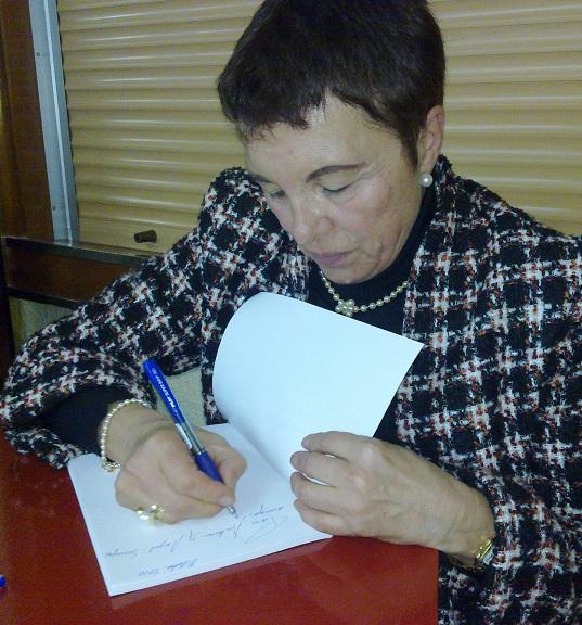 """Marisa Sedón presenta una nuevo libro de poemas """"La soledad y yo"""""""