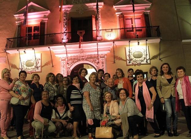 Motril apuesta por la detección precoz con motivo del Día internacional del cáncer de mama