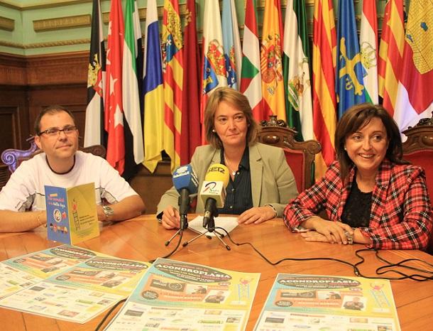 Kañasur, Todo sentado y Manolo Sarria actuarán en la gala de la acondroplasia
