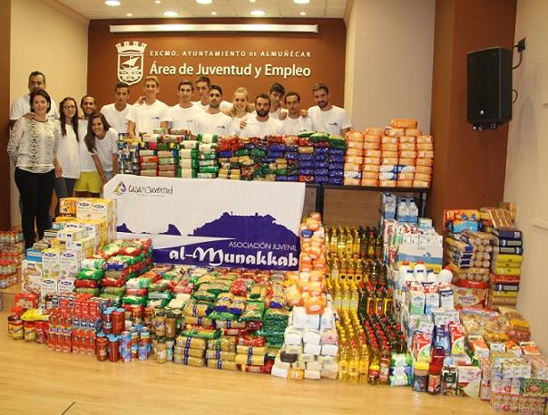 La Asociación Juvenil Al Munekkab entrega hoy a Cáritas de Almuñécar 1800 kilos de alimentos