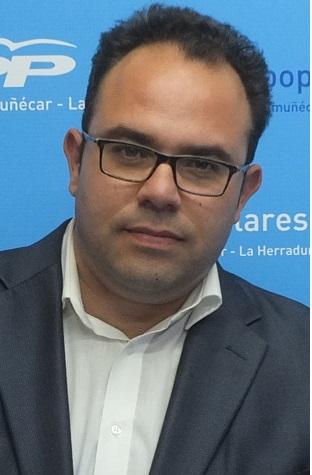 """Ruiz Joya acusa a Benavides """"de hacer el bufón"""""""