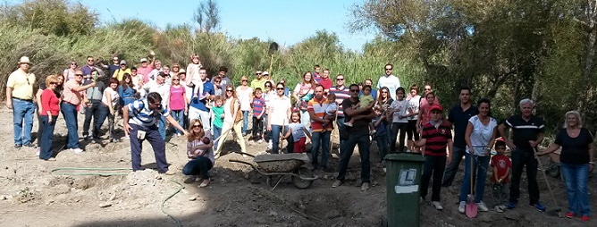 """BBVA y el Ayuntamiento de Motril realizan actividades de reforestación en el paraje """"Charca de Suarez"""""""