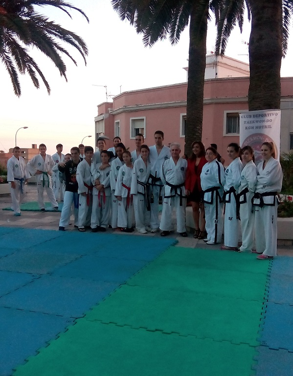 El presidente de la Federación Andaluza de Taekwondo-DO-ITF con el Club KGM Motril