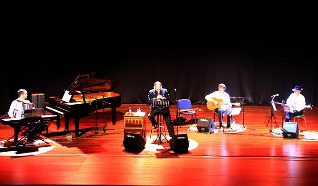 Jolís rindió homenaje en Almuñécar a Edith Piaf  y otros destacados de la chanson francesa