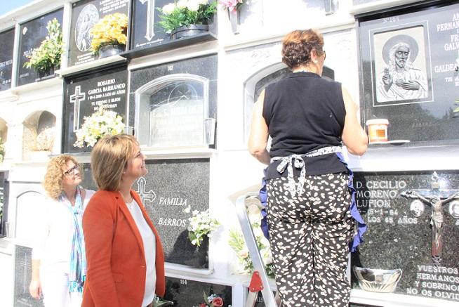 Motril acondiciona el cementerio municipal de cara al Día de los Difuntos