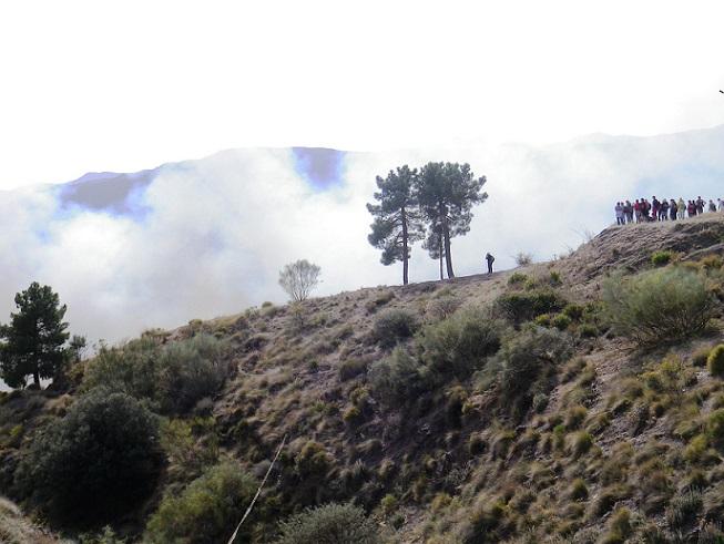 Senderistas sexitanos se vieron sorprendidos por un fuego en la ruta entre Nigüelas y Lanjarón