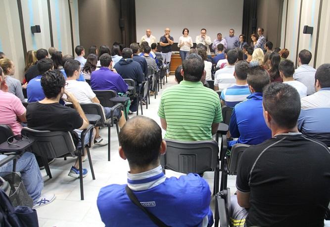 Almuñécar da la bienvenida a los  72 jóvenes contratados por el programa Emple@ Joven de la Junta de Andalucía