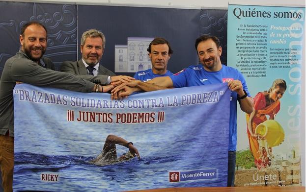 Tres motrileños cruzarán a nado el estrecho de Gibraltar con fines solidarios