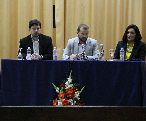 Éxito del Aula de Pensamiento con la conferencia sobre Mitos y realidades de la alimentación