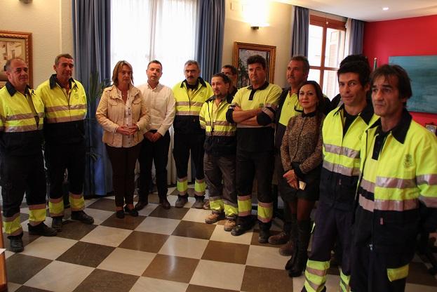 Entran en servicio los ocho oficiales de Motril que trabajarán gracias al PFEA 2014