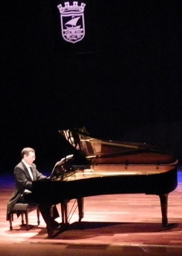 Gran concierto del pianista  José Luis de Miguel Ubano en la Casa de la Cultura de Almuñécar