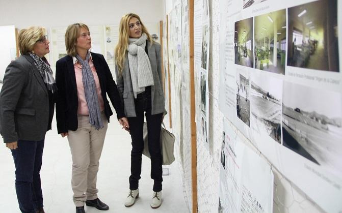 La exposición 'Dos siglos construyendo ciudad' hace escala en el Llano hasta el domingo