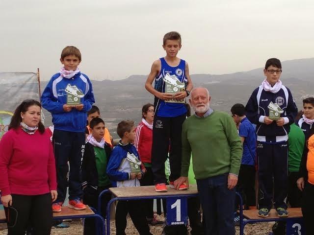 El Club Atletismo Ciudad de Motril en el circuito provincial de campo a través Cuevas del Campo