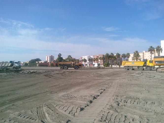 Abarca responde a Escámez que espere a que acaben las obras de regeneración de las playas para poder criticar la intervención