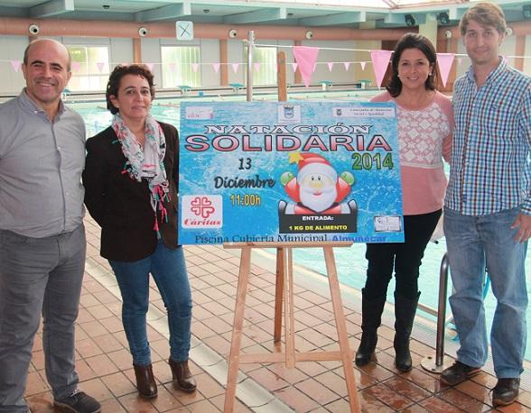 La piscina municipal promueve  la III Jornada de Natación Solidaria