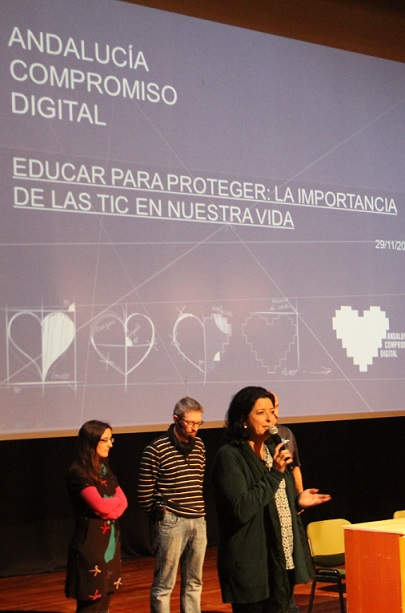 Jóvenes sexitanos conocieron los riegos en la red de la mano de Andalucía Compromiso Digital
