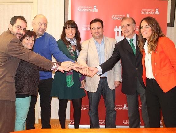 Ayuntamiento, comerciantes y obra social de la caixa vuelven a unirse para luchar contra el desempleo en Salobreña