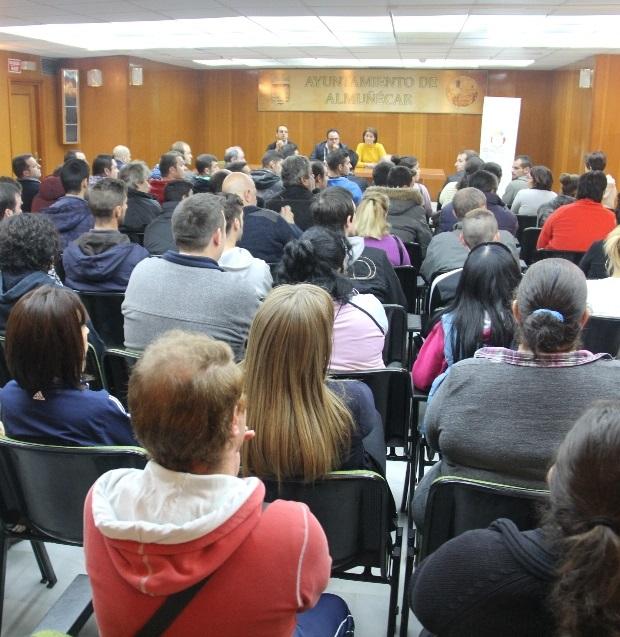 """Almuñécar sigue apostando por la formación con el programa  """"Ocupados 2014"""" para desempleados del municipio"""