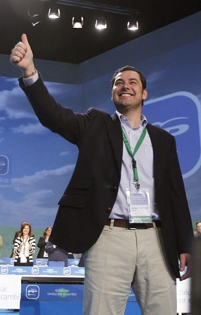 El PP de Almuñécar concede el Chirimoyo de Oro a Juanma Moreno