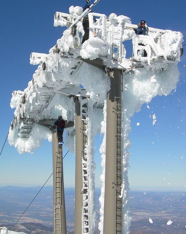 La UGR crea un grupo de investigación contra el bloqueo de remontes por hielo en Sierra Nevada
