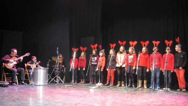 El colegio Mayor Zaragoza gana el concurso de Villancicos de Radio Salobreña