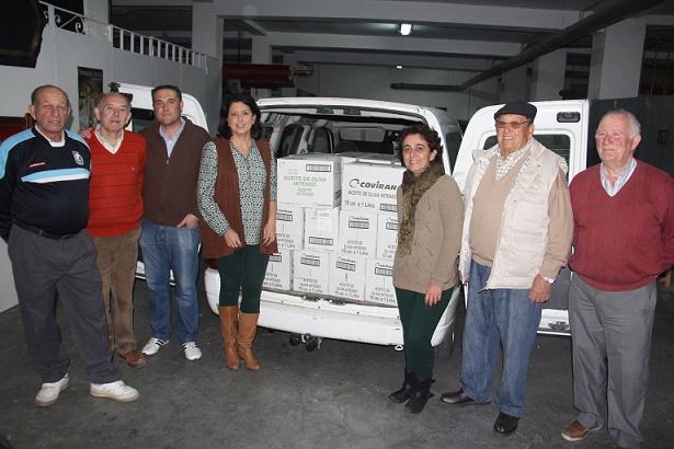 El Ayuntamiento de Almuñécar entrega a Cáritas Parroquial  1000 litros de aceite