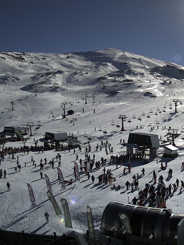 Sierra Nevada cuenta con 55 kilómetros de pistas esquiable y un espesor de nieve de 20 a 80 cm