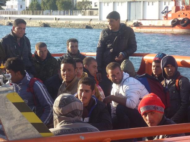 LLegan a Motril 28 inmigrantes magrebíes en una patera