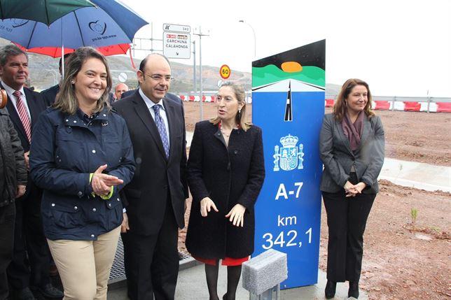 La Ministra de Fomento inaugura Polopos-Albuñol de la A-7