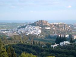 El Castillo de Salobreña acoge cenas árabes con espectáculos de baile y representaciones teatrales