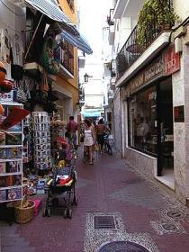 El Ayuntamiento adjudica el baldeo de calles por más de 65.000 euros