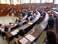 Cuatro mil alumnos se examinan en las pruebas de selectividad entre los que se encuentran los alumnos de  dos institutos de Motril
